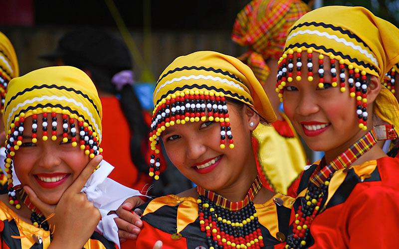 قبایل فیلیپین با سنت های خاص