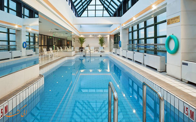 هتل کراون پلازا وانگ فوجینگ پکن | استخر