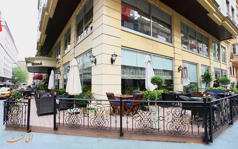 هتل گرند اوزتانیک استانبول و نمای بیرونی