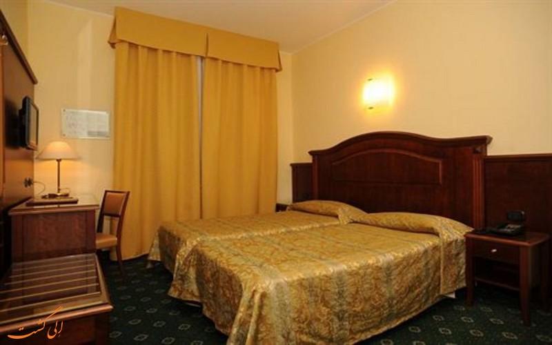 هتل والگانا در میلان