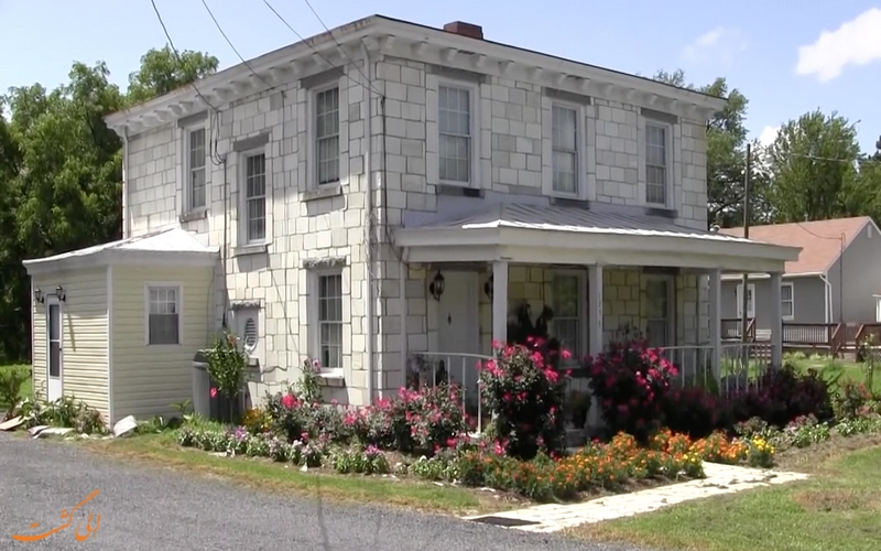 خانه سنگ قبری