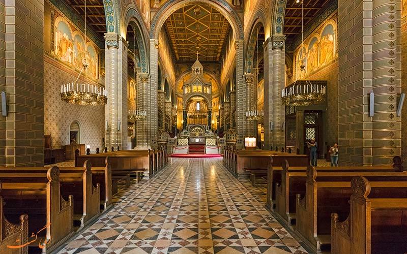 طراحی داخلی کلیسای جامع سنت پیتر