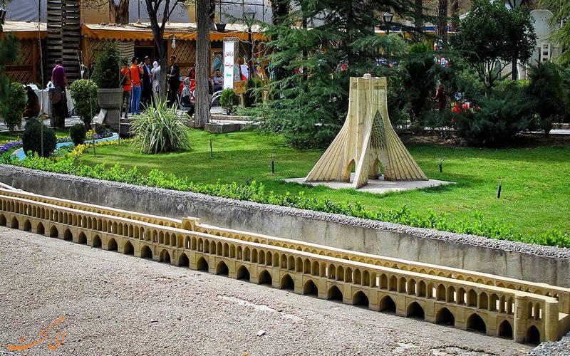ماکت برج آزادی تهران