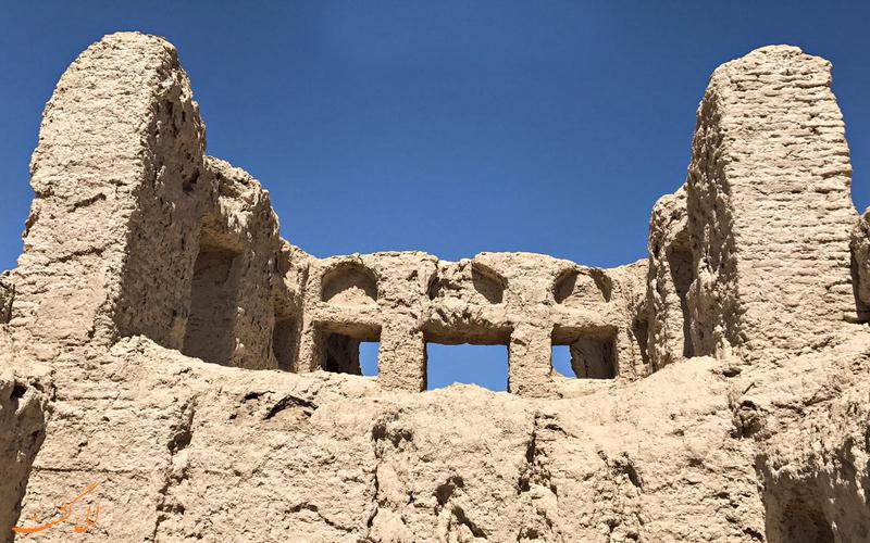 بناهای قلعه رستم
