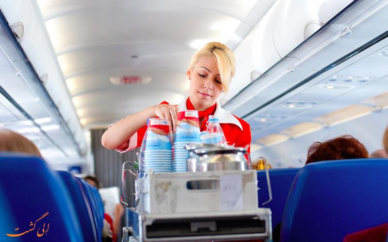 آب خوردن در هواپیما