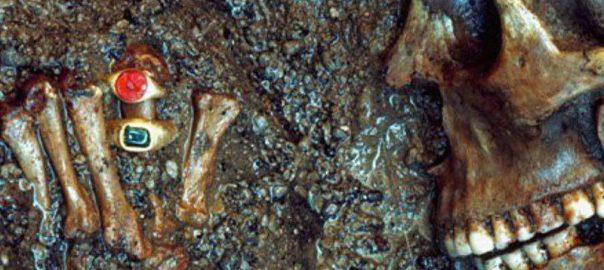 انگشترهایی که هنوز هم بعد از 2 هزار سال می درخشند!