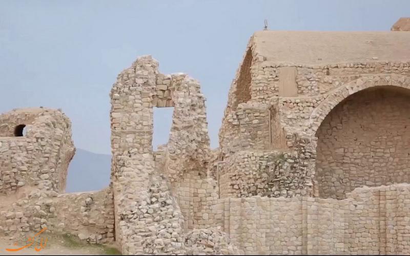 تصویری از بنای اردشیر بابکان