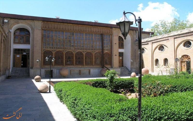 حیاط عمارت سالار سعید