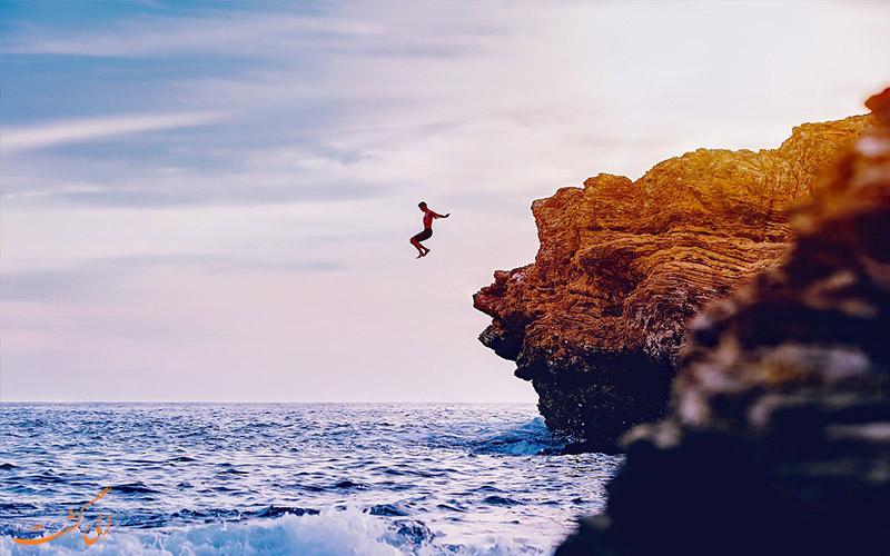 پرش از بالای صخره در آب | Cliff Diving