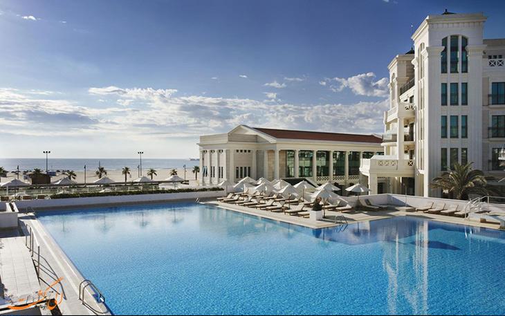 هتل و چشمه آب گرم آرِناس