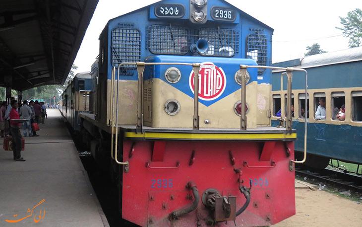 قطار داکا