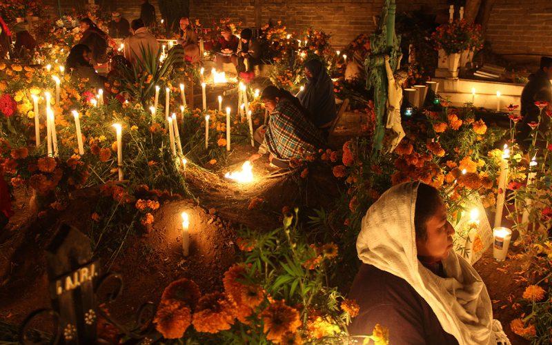 شب زنده داری جشن مردگان