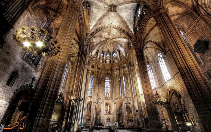 معماری کلیسای جامع بارسلونا