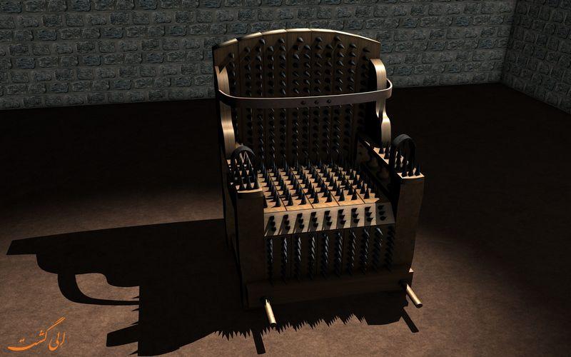 صندلی آهنی