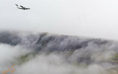 فرود هواپیما در مه