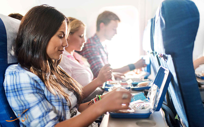 کارهای اشتباه در هواپیما