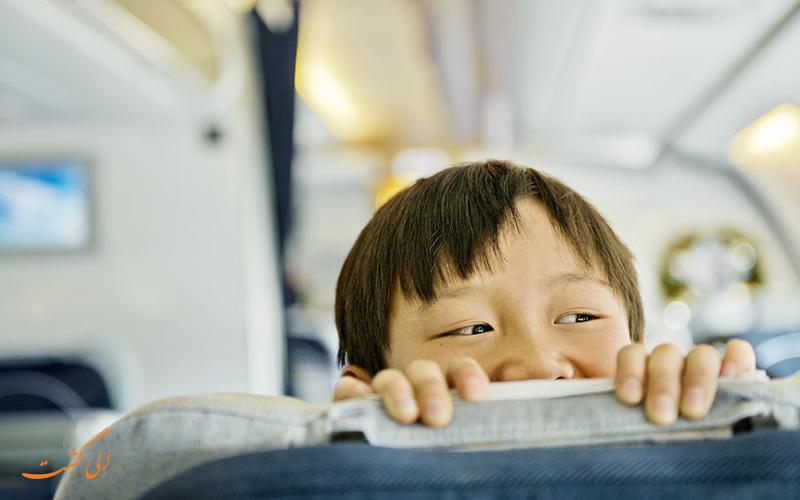 تنها سوار شدن کودک در پرواز