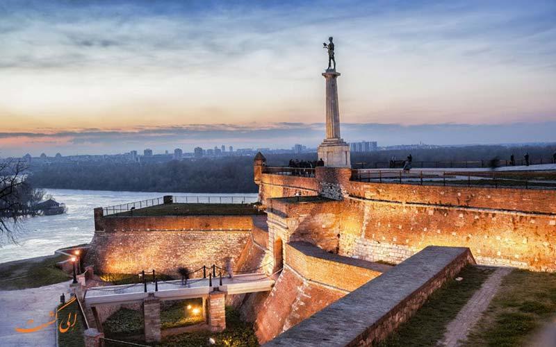 نبایدها در صربستان