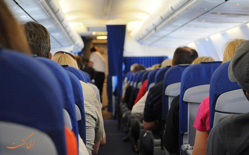 مسافران داخل هواپیما