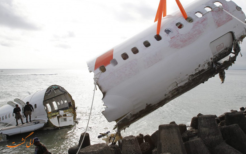 سقوط هواپیمای اندونزیایی بعد از برخورد با صاعقه