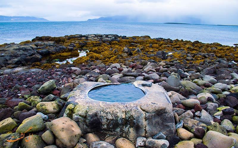 چشمه های آب گرم در ایسلند