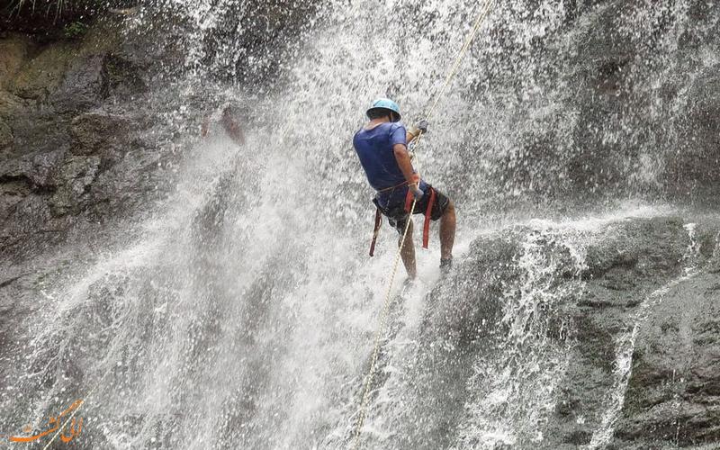 فرود از آبشار خور