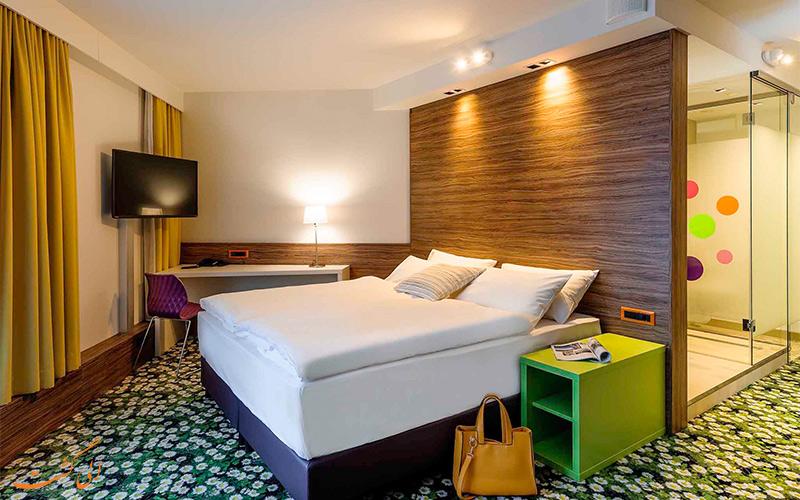 فاصله ی هتل ایبیس استایلز وین سیتی تا جاذبه های وین