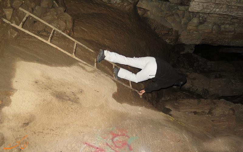 مسیرهای داخل غار رودافشان