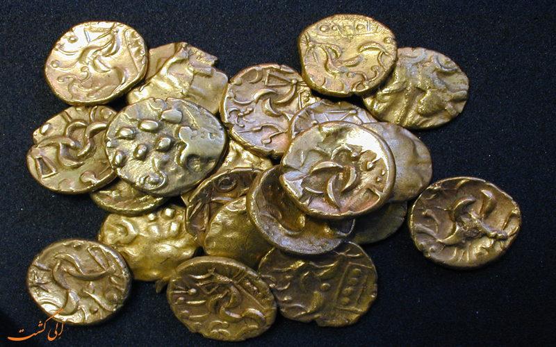 سکه های کشف شده از سارقان
