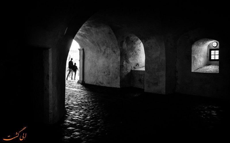 داخل قلعه