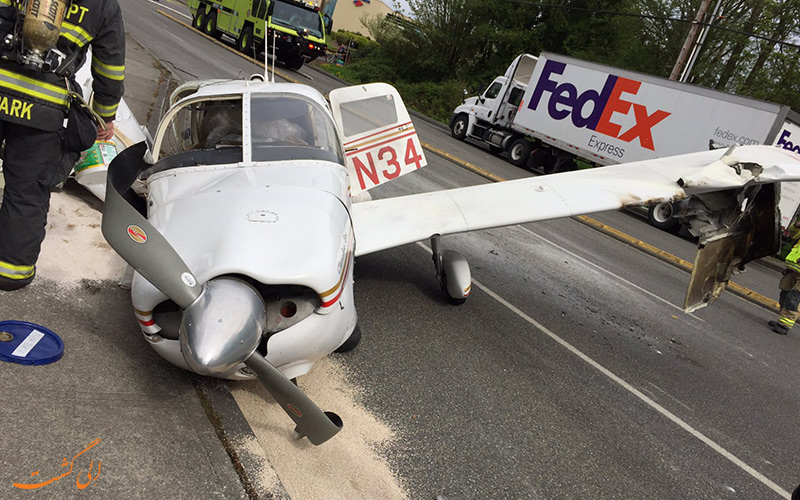 سقوط یک هواپیما