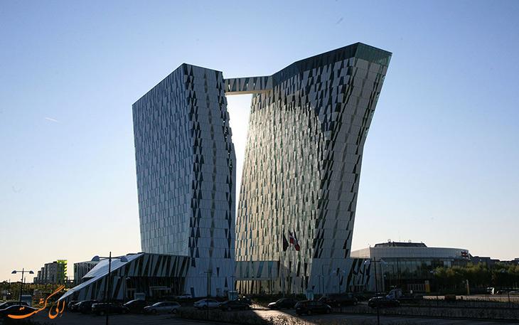 هتل بلا اسکای