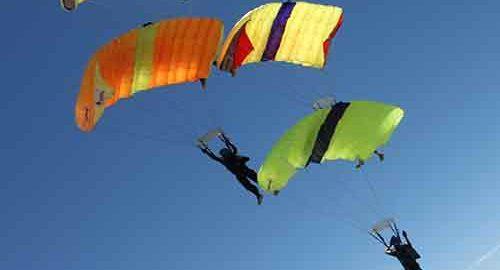 parachutes چتر نجات