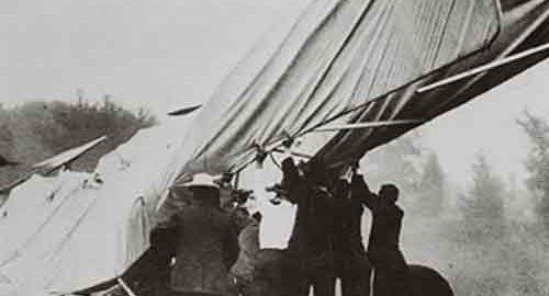 سقوط هواپیما قدیمی