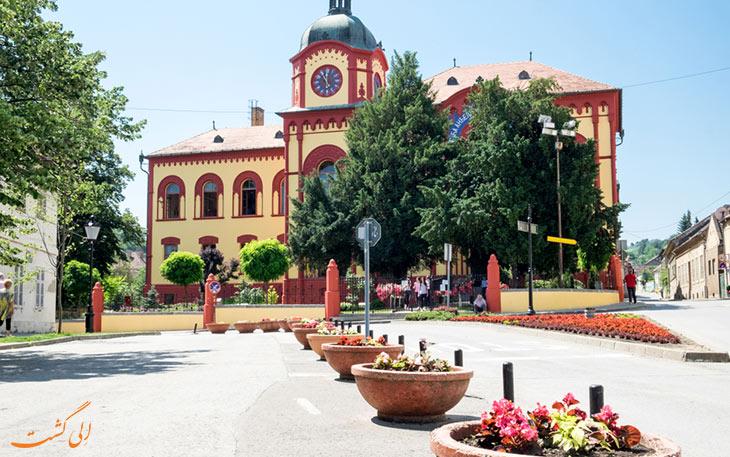 جاذبه های گردشگری شهر سرمسکی کارلوفسکی