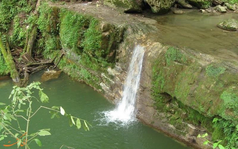 آبشار درازکش