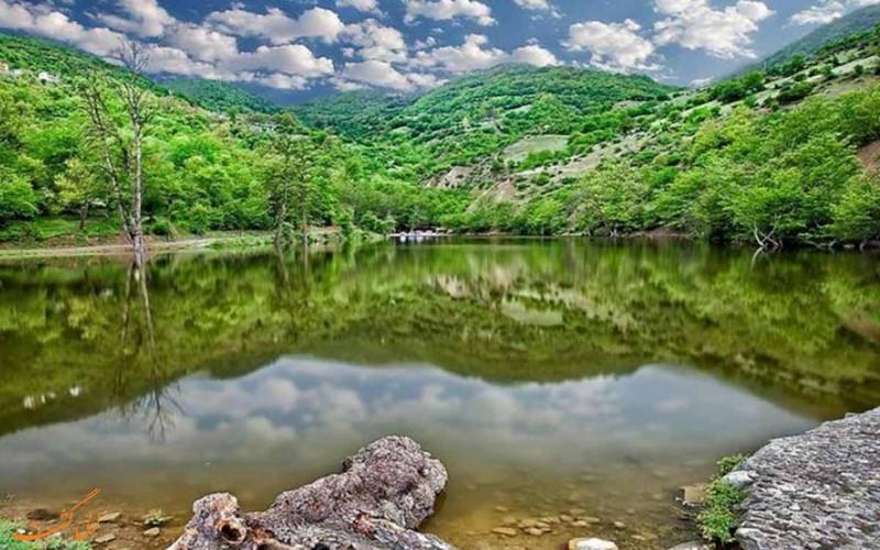 دریاچه زیبای شورمست سواکوه