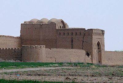 قلعه مهرپادین در یزد