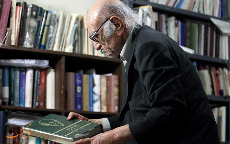 محمد ابراهیم باستانی پاریزی