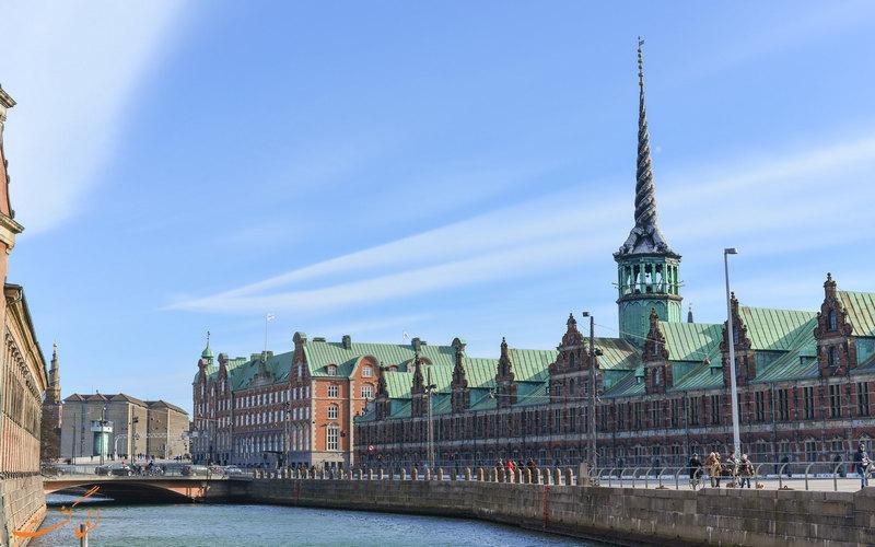 بنای تاریخی بورس کپنهاگ