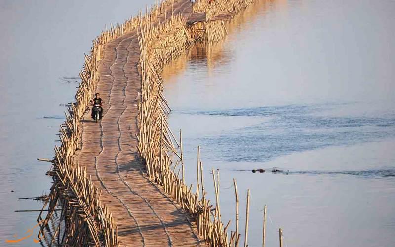 عبور از پل وحشتانک بامبو