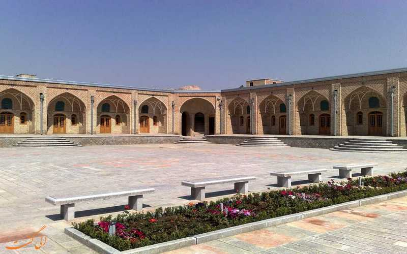 تهرانگردی در کاروانسرای زیبای خانات