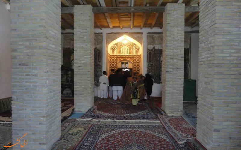 داخل مقبره سید غلام رسول چابهار