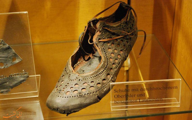 یک نمونه از کفشی رومی