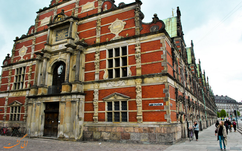 ورودی ساختمان بورس کپنهاگ