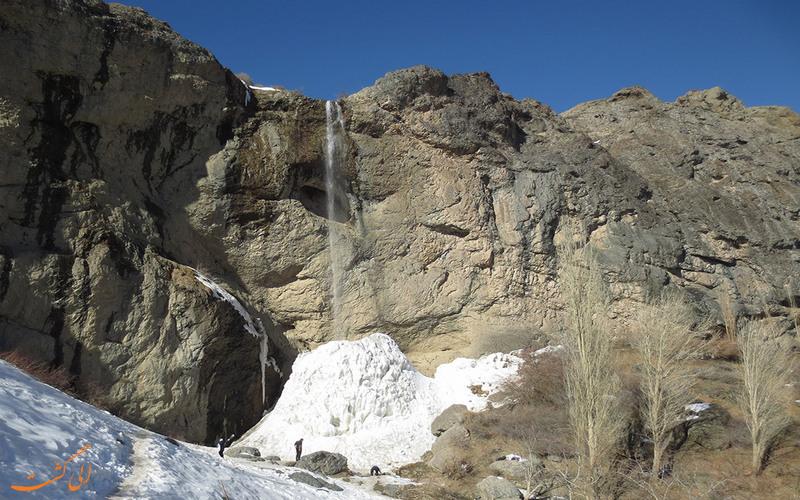 زمستان آبشار سنگان