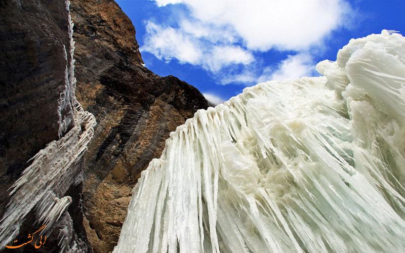 آبشار یخ زده سنگان