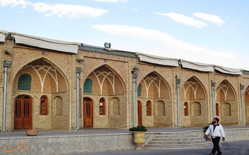 قدم زدن در کاروانسرای خانات تهران