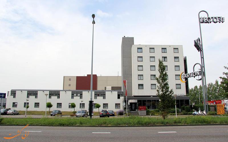 فاصله ی باستیون هتل زاندام آمستردام