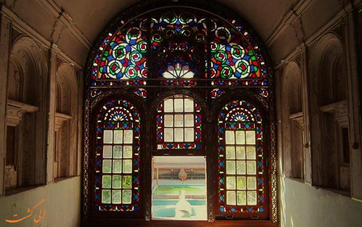 پنجره های رنگارنگ